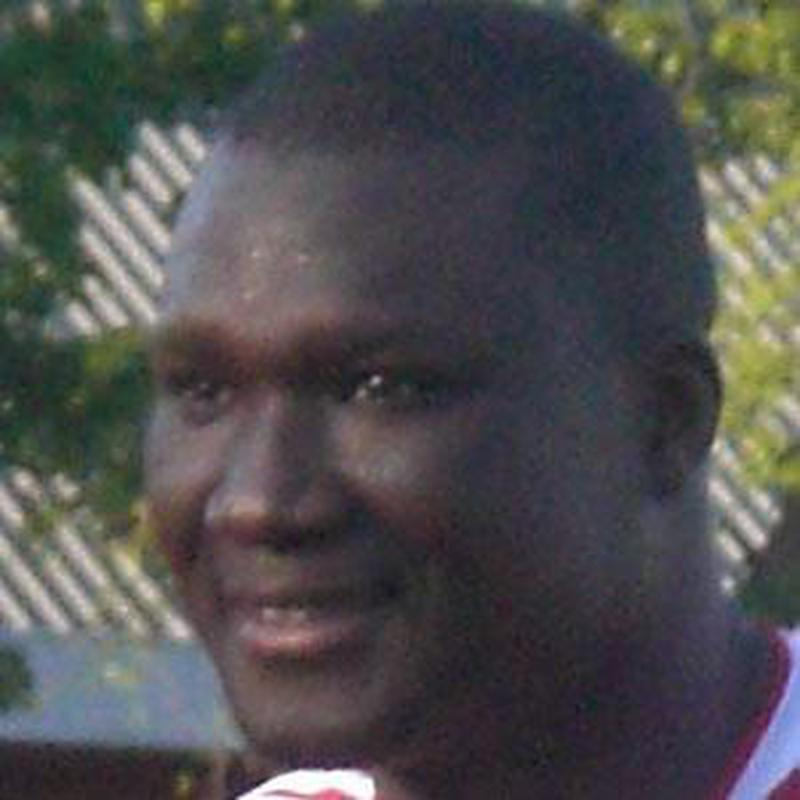 Papa Bouba Diop Bio Age Weight Height Wiki Facts And Family